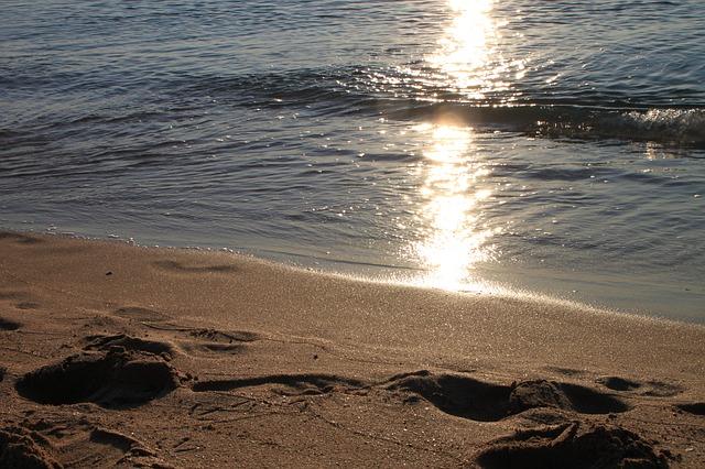 beaches-94830_640
